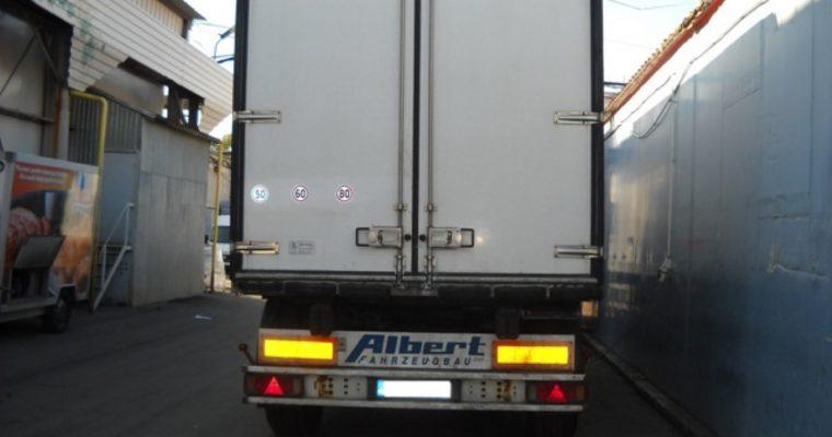 Remorca Schmitz cu agregat frig Carrier